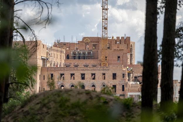Budowa zamku w Stobnicy. Fot. Robert Woźniak /FORUM