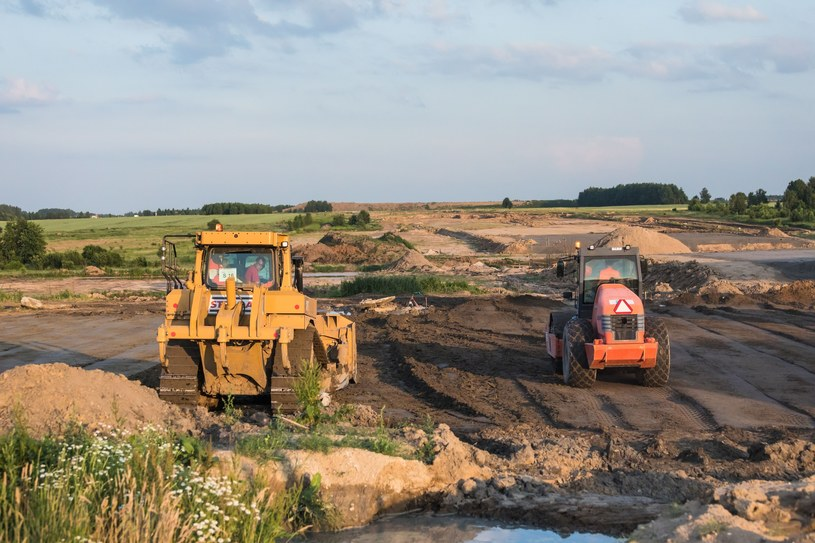 Budowy nie zwalniają tempa /Arkadiusz Ziółek /East News