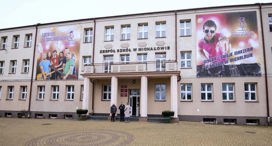 Budynek liceum ogólnokształcącego gdzie została stworzona klasa o profilu disco-polo /Michał Zieliński  /PAP