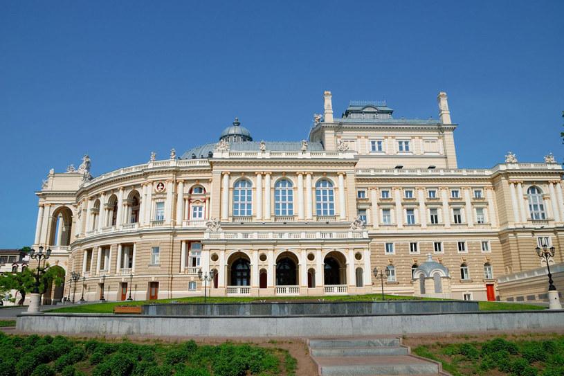 Budynek Odeskiego Teatru Opery i Baletu uchodzi za jeden z piękniejszych na świecie /123RF/PICSEL