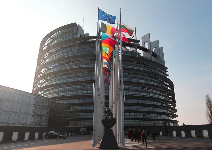 Budynek Parlamentu Europejskiego w Strasburgu /Stanisław Kowalczuk /East News