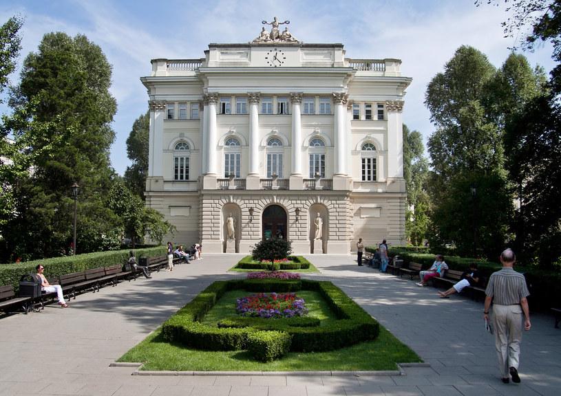 Budynek starej biblioteki uniwersyteckiej Uniwesytetu Warszawskiego /Tomasz Adamowicz /Agencja FORUM