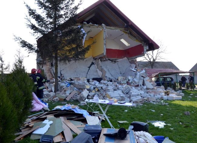 Budynek zniszczony po wybuchu /Straż Pożarna /PAP