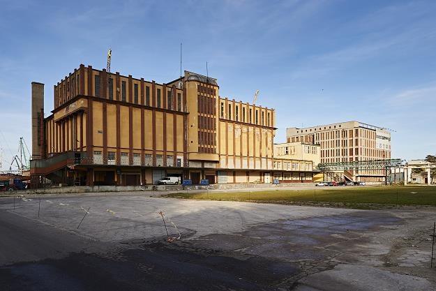 Budynki na Molo Rybackim, terenie Dalmoru w Gdyni /PAP