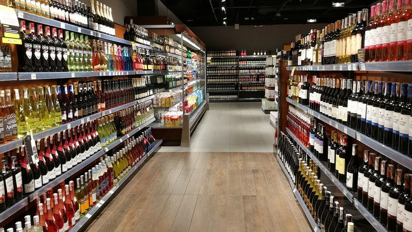 Budżet może stracić na podniesieniu akcyzy na alkohol /MondayNews