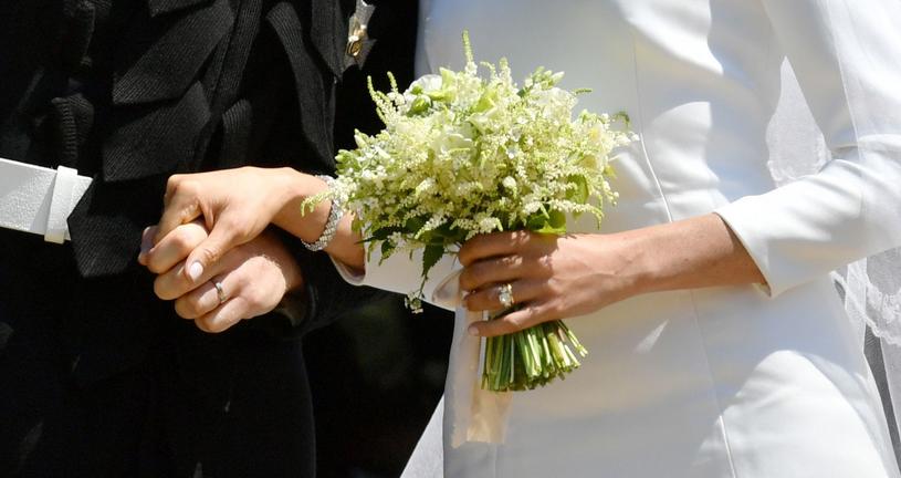 Bukiet ślubny Meghan Markle. Harry osobiście zerwał niektóre kwiaty /AFP