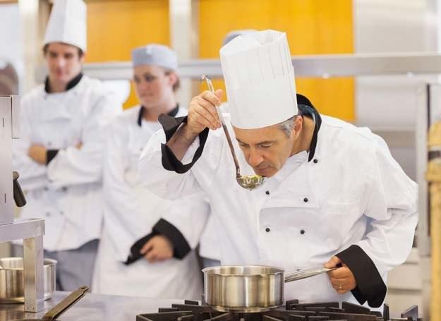 Bulion to podstawa w przygotowaniu smacznej zupy /123RF/PICSEL