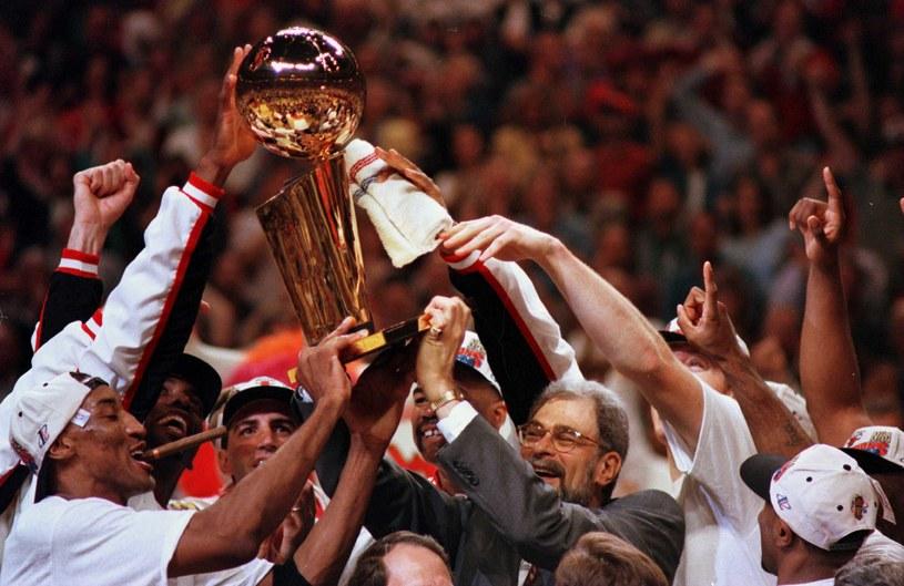 Bull świętują mistrzowski tytuł w 1996 / Jona /Getty Images