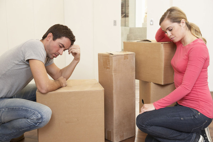 Bumerangi. Zamiast wydorośleć, iść do pracy, kupować mieszkania, wychowywać dzieci, wracają do domu rodziców /123RF/PICSEL