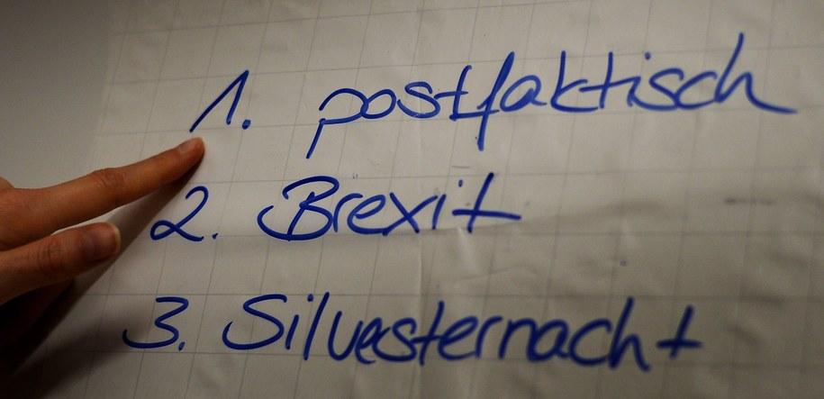 """Bundespraesidentenstichwahlwiederholungsverschiebung"" zostało słowem roku w Austrii /SUSANN PRAUTSCH /PAP/EPA"