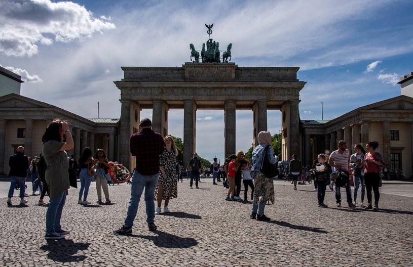 Bundestag przedłużył stan zagrożenia epidemicznego /JOHN MACDOUGALL /AFP