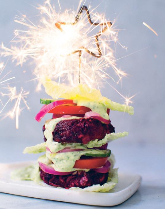 Buraczane burgery /materiały prasowe