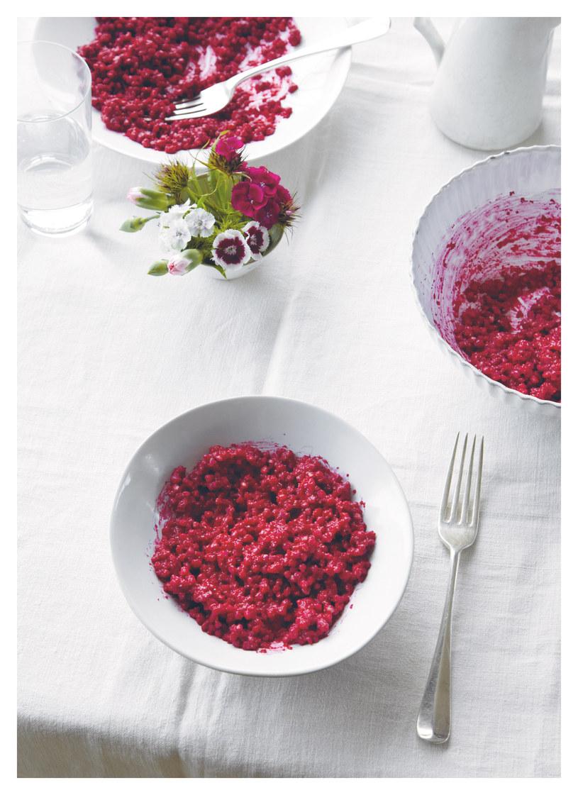 Buraczane risotto z kaszy gryczanej /materiały prasowe