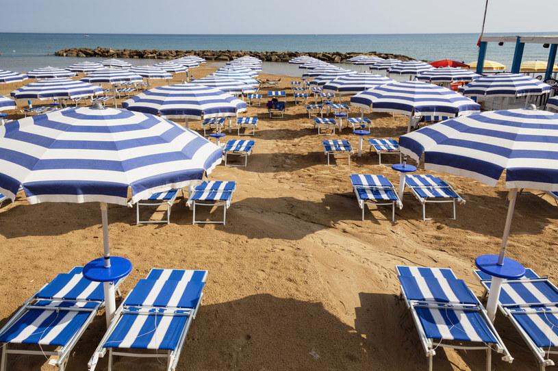 Burmistrz włoskiego kurortu proponuje rezerwację miejsc na plaży /Eye Ubiquitous/Universal Images Group /Getty Images