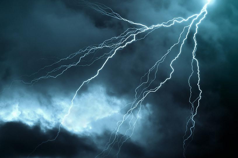 Burza na trasie jest szczególnie niebezpieczna, ponieważ często trudno jest się przed nią schronić /123RF/PICSEL