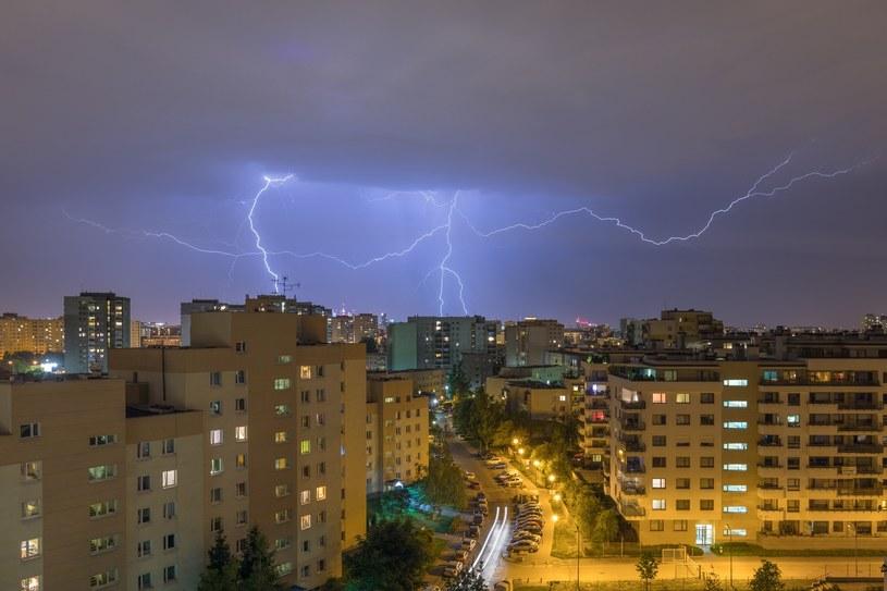 Burza nad Warszawą, zdjęcie ilustracyjne /ARKADIUSZ ZIOLEK /East News