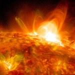 Burza słoneczna. Kiedy uderzy w Ziemię i czy wybuch na Słońcu odetnie nas od Internetu?