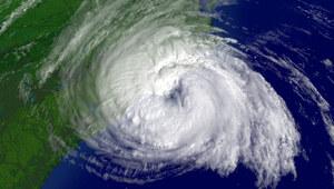 Burza tropikalna Ofelia szaleje nad Irlandią