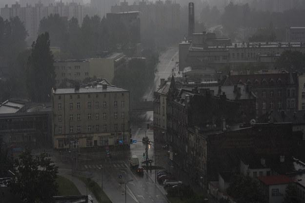 Burza z deszczem nad Katowicami /Gorąca Linia /RMF FM