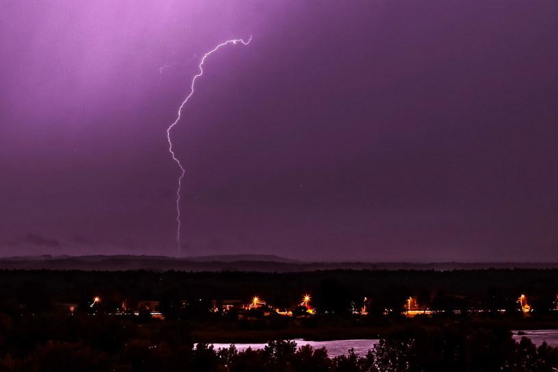 Burza z piorunami, która w weekend przeszła nad Płockiem /Piotr Augustyniak /PAP