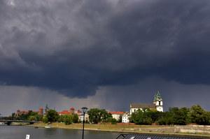 Burze nad Krakowem. Spadł grad o średnicy kilku centymetrów