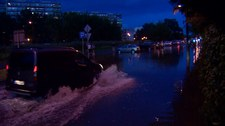 Burze nad Polską. Grad, zalane ulice i połamane drzewa