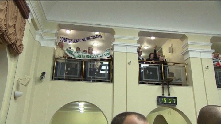 Burzliwa sesja rady miasta /TVN24/x-news