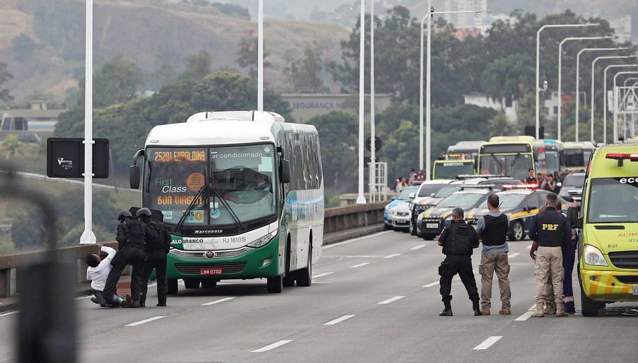 Bus przejęty przez napastnika /Antonio Lacerda /PAP/EPA
