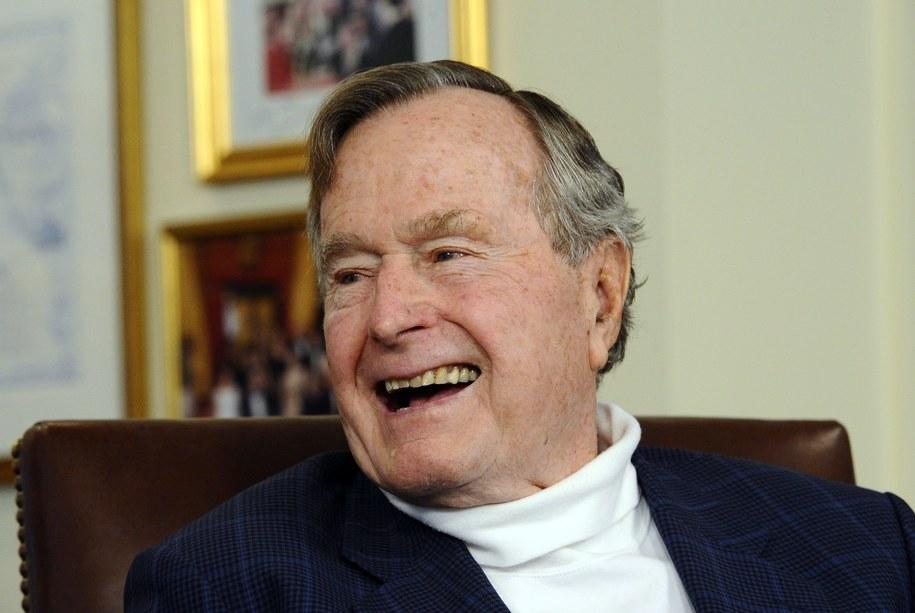 Bush senior skończył 90 lat /LARRY W. SMITH /PAP/EPA
