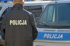 Busko-Zdrój: Policjant ugodzony nożem w plecy podczas interwencji