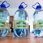 Butelka w 100 proc. wykonana z plastiku z recyklingu