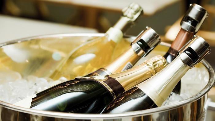 butelki szampana /© Photogenica