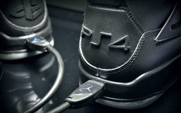 Buty Nike w wersji PlayStation 4 - zdjęcie pochodzi z profilu freakersneaks na instagram.com /materiały źródłowe