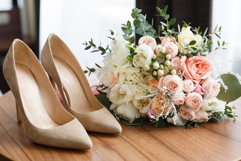 Buty panny młodej powinny być stabilne, wygodne i... modne /Adobe Stock