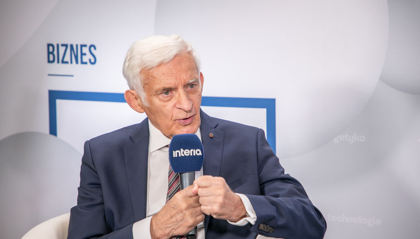 Buzek: Zapóźnienie w transformacji dużo nas kosztuje