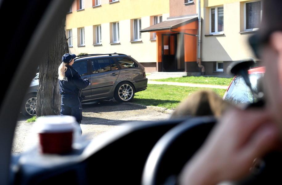 By nie narazić rodziny, 3 dni koczował w aucie/ Zdjęcie ilustracyjne /Darek Delmanowicz /PAP