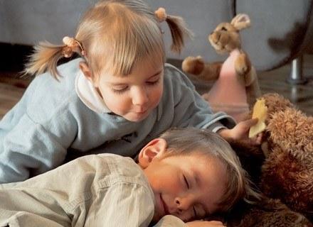 Być może dzięki odkryciu, rodzice maluchów będą o nie spokojniejsi. /INTERIA.PL