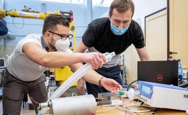 Bydgoszcz: Na uniwersytecie technologicznym powstają prototypy prostych respiratorów