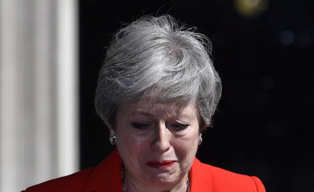 """""""Była architektem własnego upadku"""". Angielskie media o rezygnacji May"""