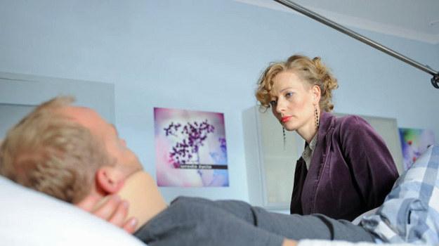 Była żona wykorzystuje sytuację, jednak Anka nie zamierza wycofać się z życia Jerzego. /TVN