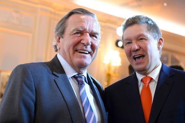Byłego kanclerz Schroeder z szefem Gazpromu Millerem /PAP