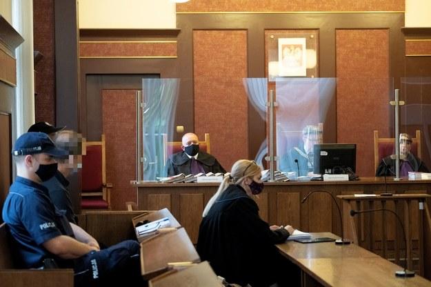 Były członek plutonu specjalnego ZOMO Roman S. na sali sądowej /Hanna Bardo /PAP