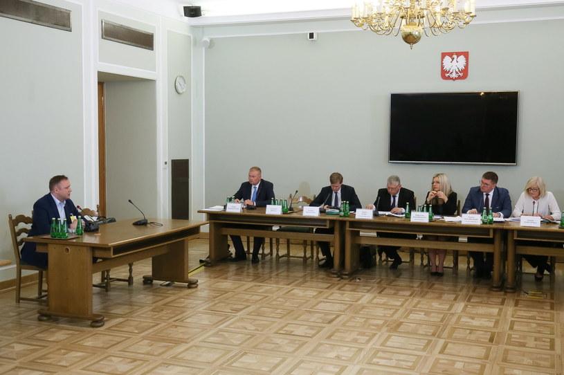 Były członek zarządu Jet Air Zbigniew Młotkowski zeznaje przed komisją śledczą ds. Amber Gold /Paweł Supernak /PAP