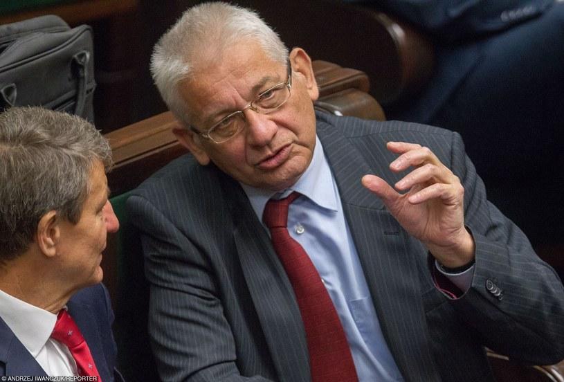 Były czołowy polityk PiS,  startujący do Sejmu z list PO, Ludwik Dorn /Andrzej Iwańczuk /Reporter
