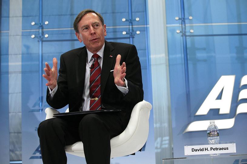 Były dyrektor CIA gen. David Petraeus /AFP