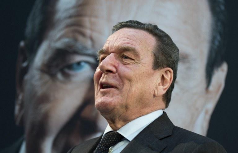 Były kanclerz Niemiec Gerhard Schroeder /AFP