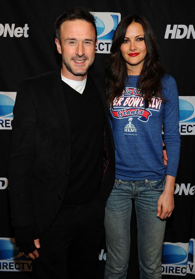 Były mąż Courtney, David Arquette, ze swoją nową dziewczyną Christiną MacLarty. /Michael Buckner /Getty Images