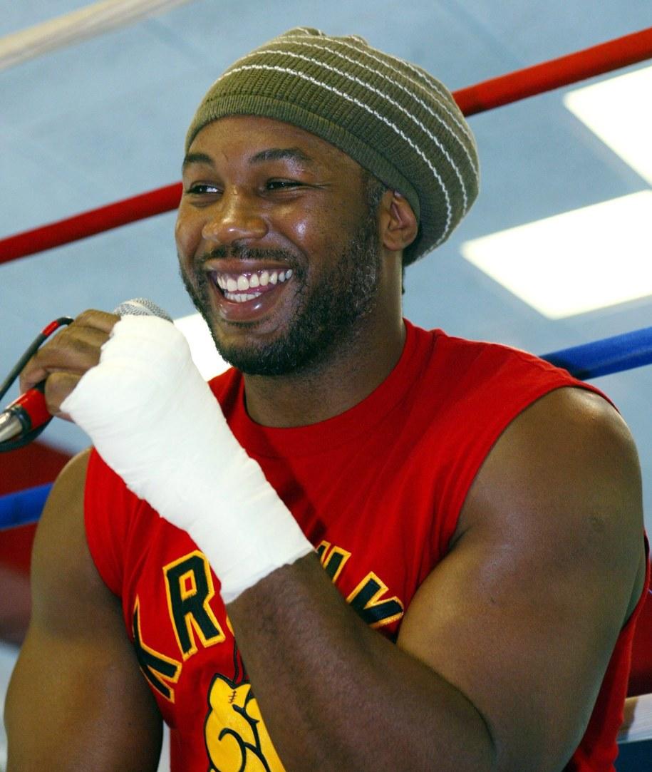 Były mistrz świata wagi ciężkiej Lennox Lewis poważnie myśli o powrocie na zawodowy ring /TOM MIHALEK  /PAP/EPA