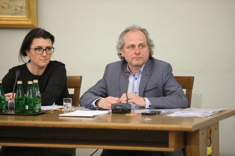 Były podsekretarz stanu w Ministerstwie Finansów Jarosław Neneman i jego pełnomocnik Katarzyna Leder Salgueiro / Leszek Szymański    /PAP