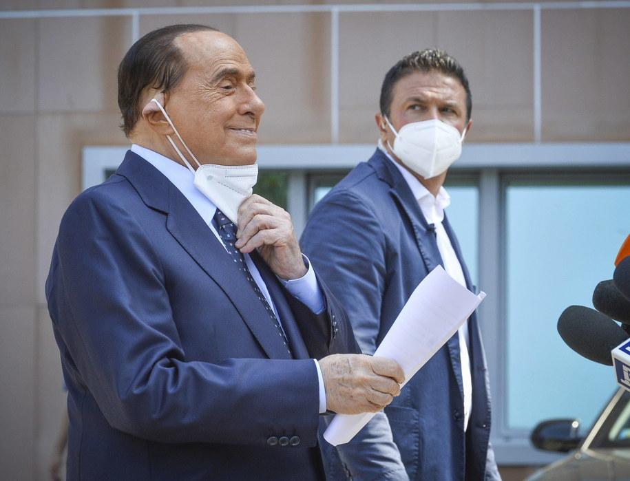 Były premier Berlusconi opuścił szpital po zakażeniu koronawirusem /Andrea Fasani /PAP/EPA